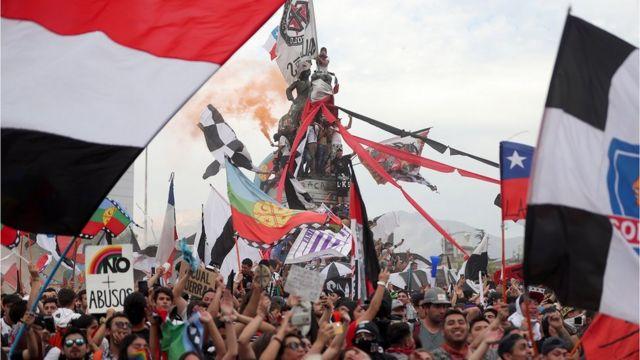 Manifestantes durante protesto no Chile