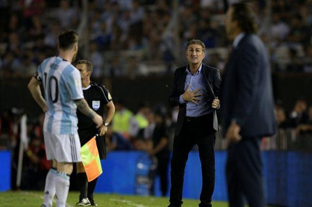 Messi y Bauza en el Monumental