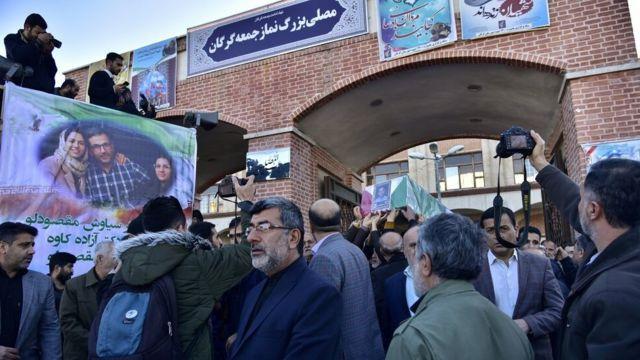مراسم تشییع سه عضو خانواده ای که در سقوط هواپیما کشته شدند