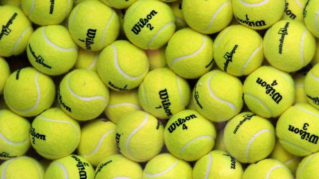 """Cómo """"resolvió"""" Roger Federer el eterno debate de si las pelotas de tenis son verdes o amarillas? - BBC News Mundo"""