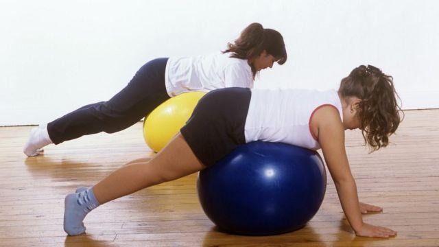 فتيات في صالة رياضية