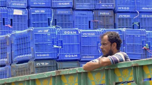 Локдаун на рынке в Бангладеш