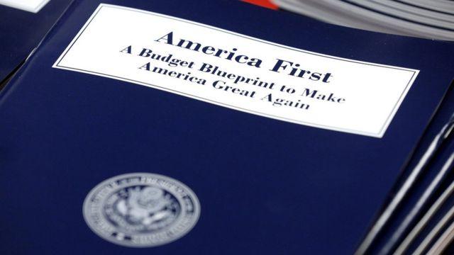 """El proyecto presupuestal para el año fiscal 2018 se titula """"Estados Unidos primero""""."""
