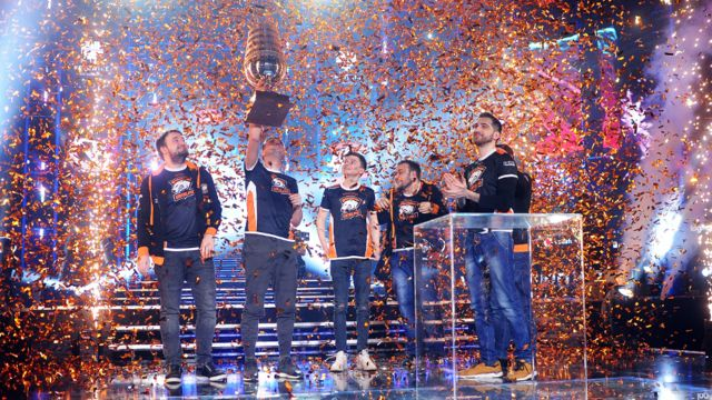 Virtus.pro with the trophy after Dota 2 Major Final match between Vici Gaming and Virtus.pro on February 25, 2018 in Katowice, Poland