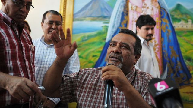 Raúl Mijango, el arquitecto de la polémica tregua entre pandillas