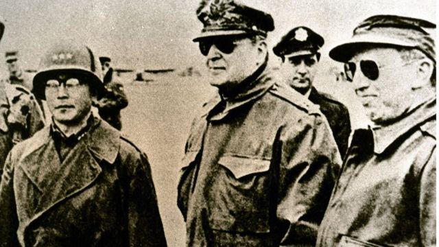 联合国军指挥官麦克阿瑟