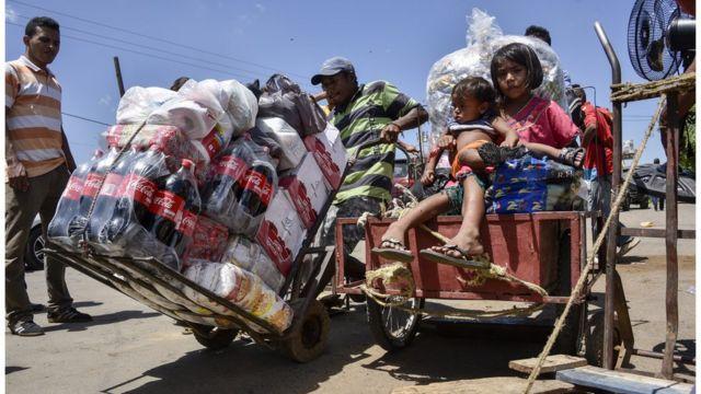 photo of displaced families in Venezuela