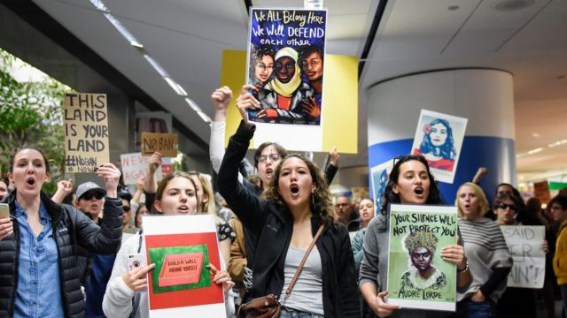 معترضان به فرمان مهاجرتی ترامپ