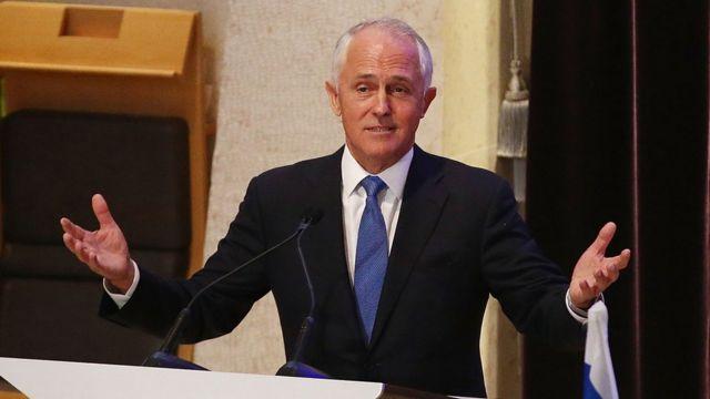 ターンブル首相はビザ制度の変更はオーストラリア人を第一に考えているためだと語った