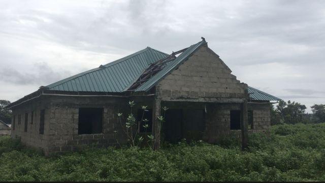Building wey dey inside bush