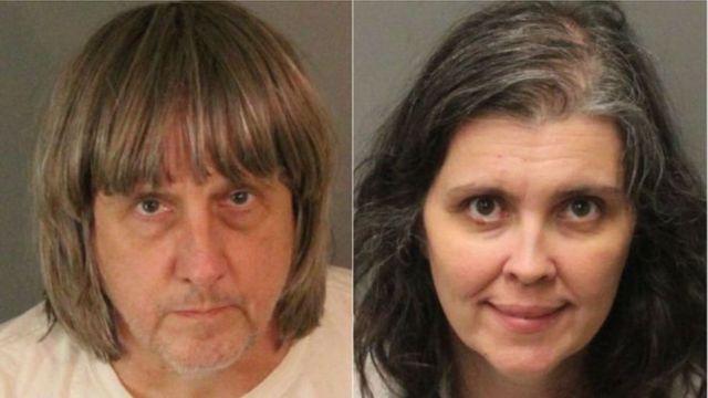 คู่สามีภรรยาชาวอเมริกันถูกดำเนินคดีในข้อหาทรมานและทำให้เด็กตกอยู่ในอันตราย