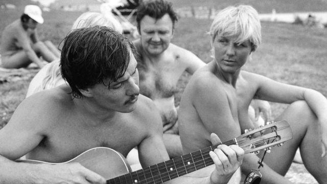 La culture du FKK s'est épanouie en Allemagne de l'Est, où elle a servi à échapper au gouvernement communiste répressif