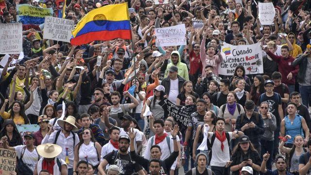 Paro nacional en Colombia: 4 motivos detrás de las multitudinarias  protestas y cacerolazos en Colombia contra el gobierno de Iván Duque - BBC  News Mundo