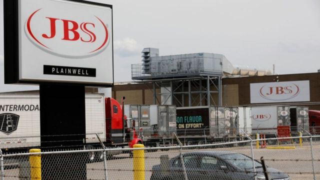 Завод JBS в Мичигане