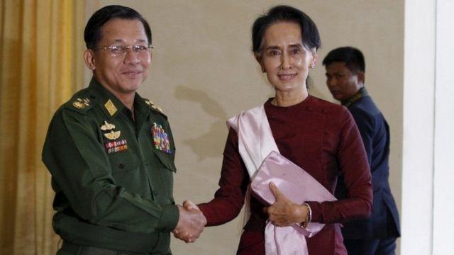 آنگ سانگ سوچی اور میانمار کی فوج کے سربراہ من لانگ ہیلانگ