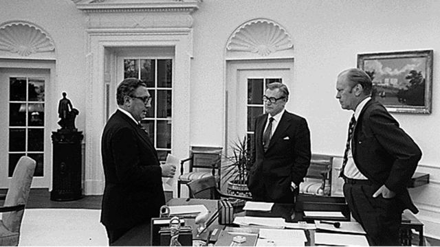 US President Gerald Ford, US Secretary of State Henry Kissinger and Vice President Nelson Rockefeller discuss the evacuation of Saigon 28 April,1975 at the White House in Washington, D.C.