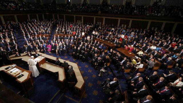 フランシスコ法王の米上下院合同会議での演説には500人以上の聴衆が耳を傾けた