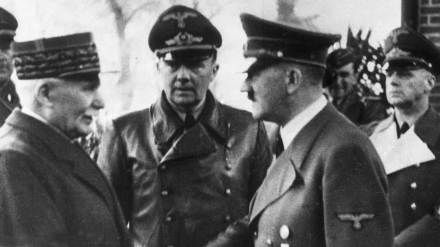 Philippe Petain junto a Adolf Hitler