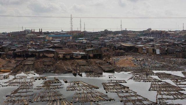 Dhibaatooyinka dadka faraha badan ee Lagos ayaa mas'uuliyiinta Nigeria waxay ku qasabtay inay caasimadda u wareejiyaan magaalada Abuja
