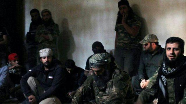 مجموعة من مسلحي المعارضة السورية