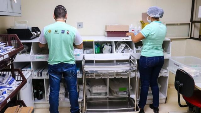Funcionários e suprimentos no Hospital Regional de Altamira