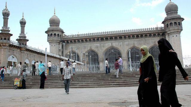 হায়দ্রাবাদের মক্কা মসজিদ। এখানে বিস্ফোরণেও নাম জড়ায় হিন্দু জঙ্গীদের