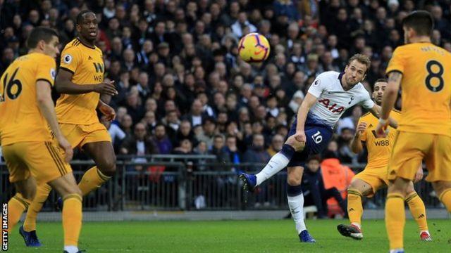 Harry Kane gives Tottenham the lead against Wolves