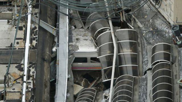 Techo colapsado por accidente de tren en Nueva Jersey.