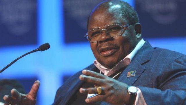Le facilitateur dans la crise burundaise, Benjamin Mkapa