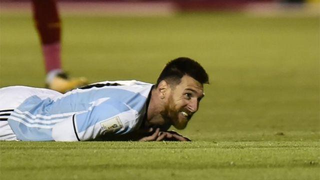 Lionetl Messi sobre la cancha.