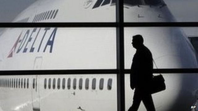 US airlines investigated over ticket prices