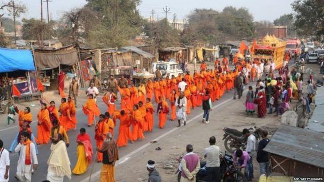 राम राज्य रथयात्रा में काफ़ी कम लोगों का शामिल होना चर्चा में रहा