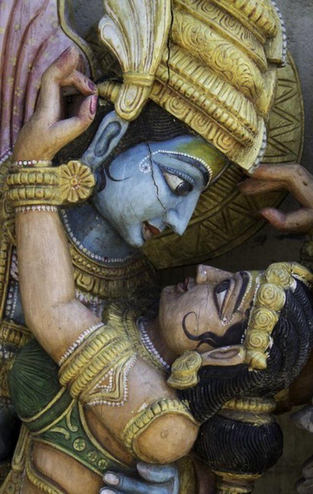 Representação dos deuses Krishna e Radha.