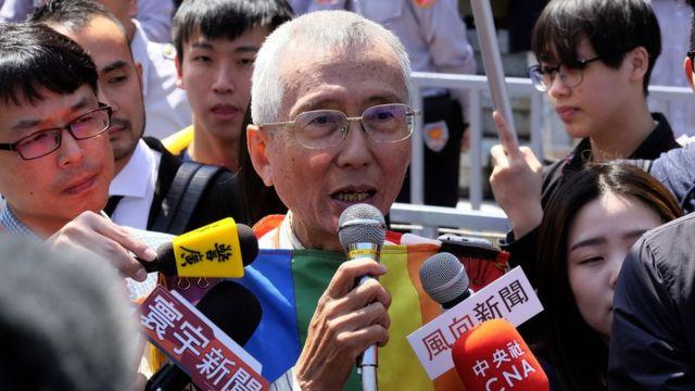 3月24日,祁家威出席憲法法庭,被大批媒體包圍。