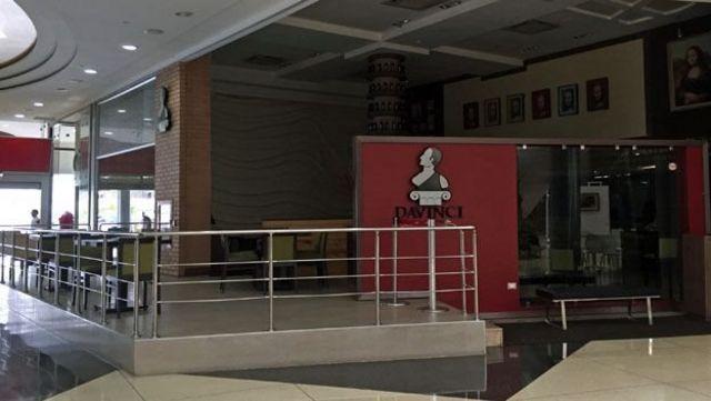 Los centros comerciales, antes una estación de descanso para el calor en Maracaibo, ya no son los congeladores de antes.