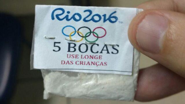 Una bolsa de cocaína con los símbolos de la olimpiada de Río