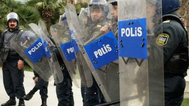 polis, nümayişlər, etirazlar