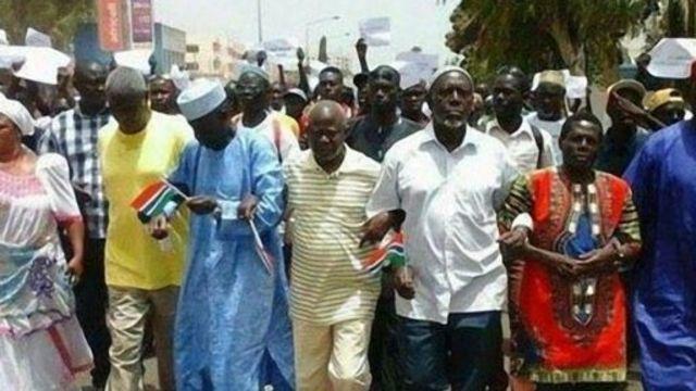 Une marche de l'opposition gambienne, en avril dernier, à Banjul
