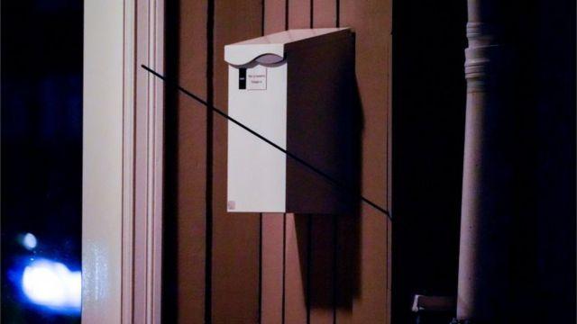 Una flecha en una pared en Kongsberg
