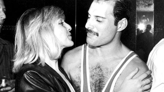 Фредди Меркьюри с Мэри Остин на своем 38-м дне рождения в ночном клубе Xenon (Лондон, сентябрь 1984 года)