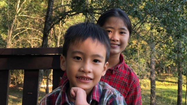 Nấm và Gấu, hai con của Blogger Mẹ Nấm tại Houston, Texas