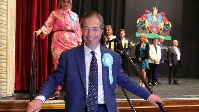 Найджел Фарадж после объявления об избрании в Европарламент