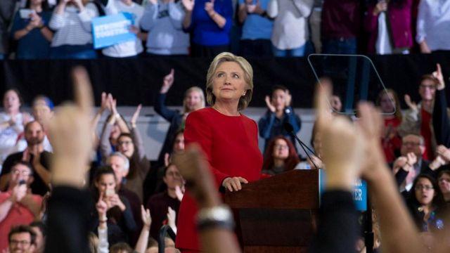 Во время президентской избирательной кампании 2016 года кандидат от демократов Хиллари Клинтон была нечестна в 32% своих утверждений (у Трампа - 70%)