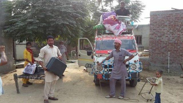 روستاییان منطقه را ترک می کنند
