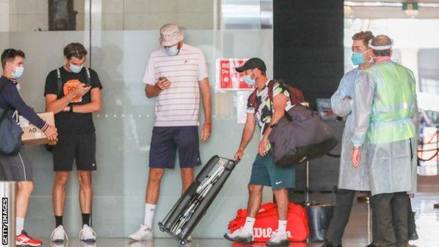全豪テニス、選手ら500人以上を隔離 ホテル従業員1人が陽性で - BBC ...