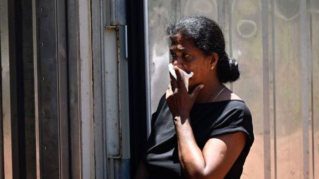 mujer en Sri Lanka