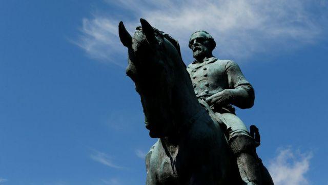 Памятник генералу Роберту Ли
