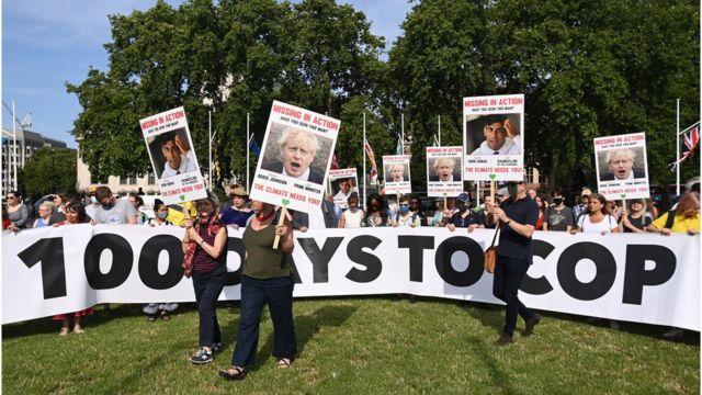 İskoçya'da protestocular Kasım ayında yapılacak COP26 İklim Zirvesi öncesinde harekete geçmeleri için siyasetçilere çağrı yapıyor