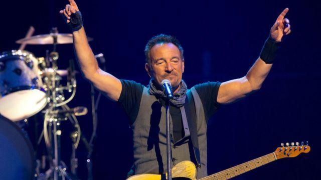 Bruce Springsteen en concierto en Paris.