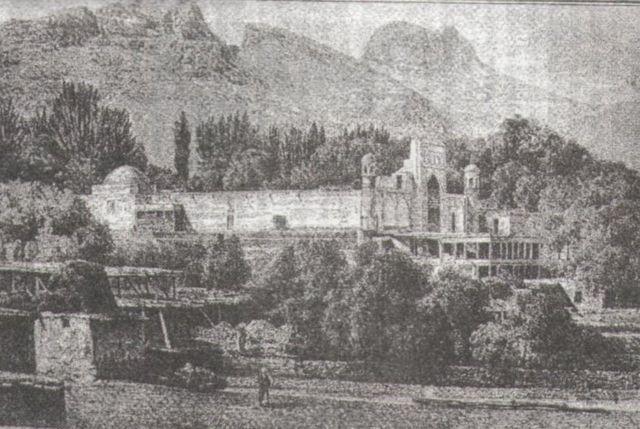 1877-жылы Абдурахман Афтобачынын уулу салдырган Тахти-Сулейман мечити